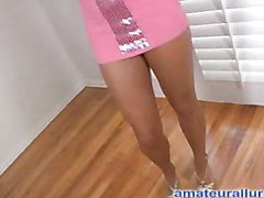 Lora is a stunning twenty one year old beauty from Alabama. This Babe flys out to watch Ray and this guy takes her for a test drive for me. That Babe gives fantastic head and this babe likes to get fucked. That Babe really shows off well on camera. Then L