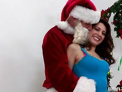 `Santa Sins is working at the mall when along comes a nasty little slut by the name of Lexi Bloom. When that babe tells Santa that all that babe wants for christmas is smth that starts with `C` and rhymes with `Rock,` well needless to say, Santa's north pole stands at full attention. When the mall closes, Santa and Lexi meet up for a little rendez-vous on Santa's sleigh where Lexi's about to get a White Christmas... all over her face!`